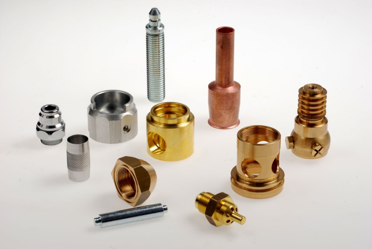 Décolletage de pièces pour les secteurs hydraulique et pneumatique